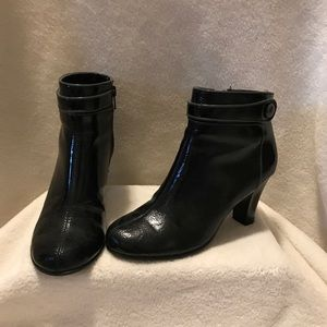 Aerosole patent leather boots